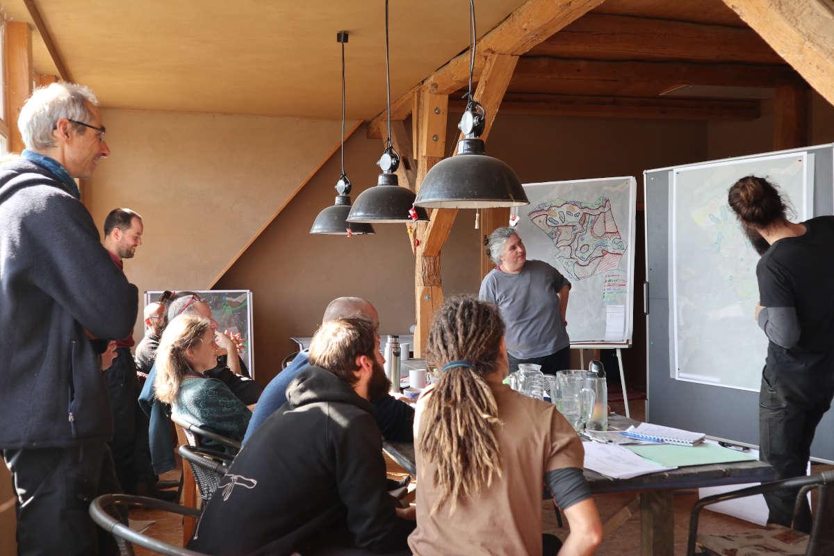 Gemeinsame Planungsprozesse: Integration von Landnutzungsinteressen mit Landwirtschaftsbetrieben, Dorfgemeinschaft, Naturschutz, Forst, Jagd, Wasserwirtschaft etc.